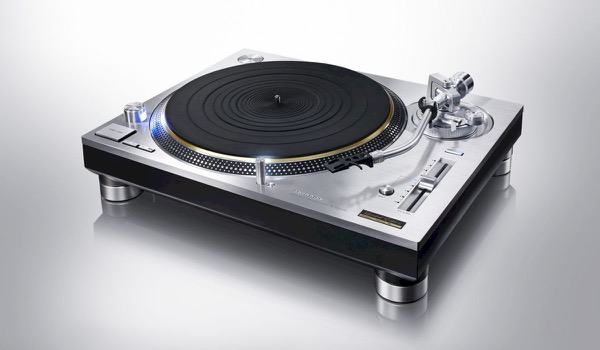 The Technics SL-1200 is back!