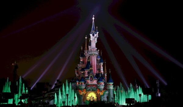 Disneyland Celebrates 'Earth month' with a Projection on the Sleeping Beauty Castle